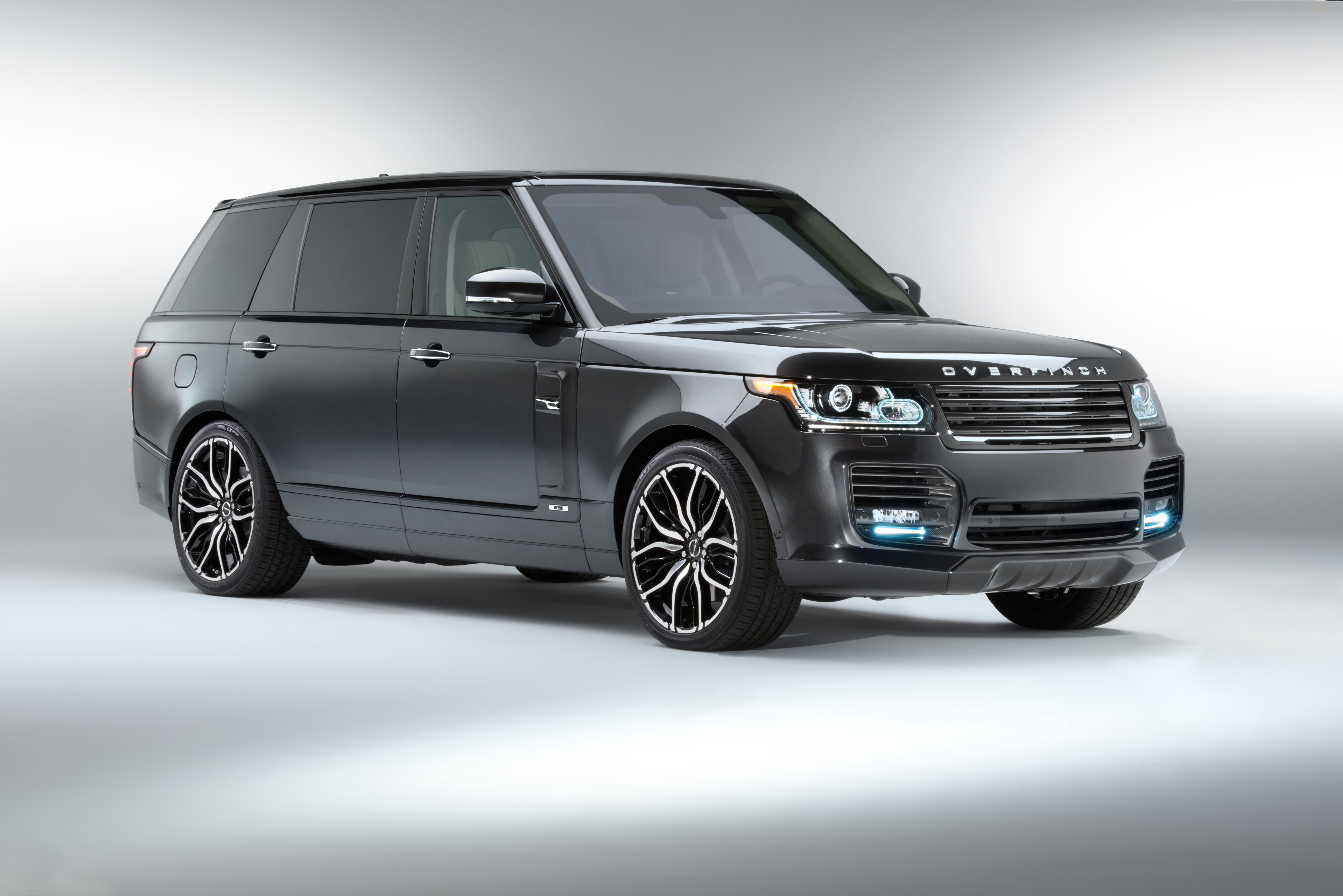range rover modified by overfinch. Black Bedroom Furniture Sets. Home Design Ideas